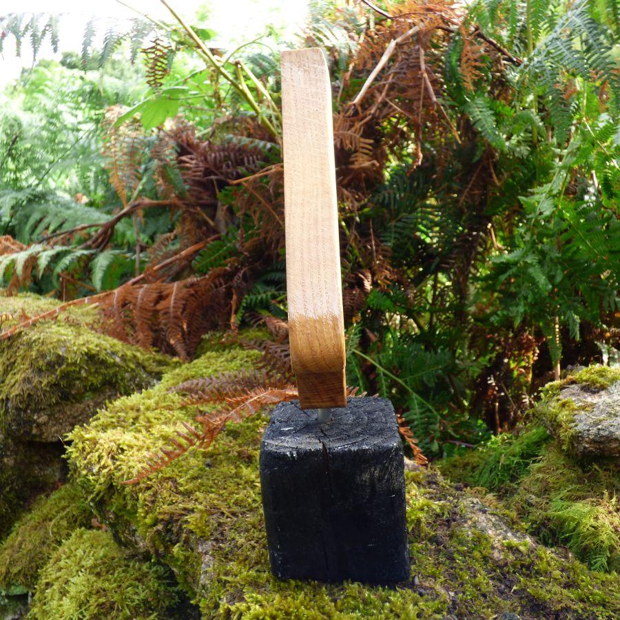 """La flame"" sculpture en chêne du Morbihan"