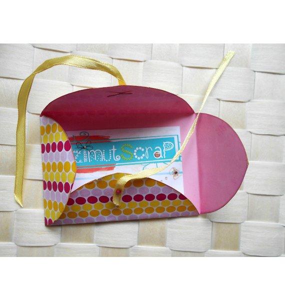 Pochette à cartes en papier intérieur uni rose extérieur motif jaune rose blanc  toujours disponible sur soi