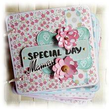 """Mini album relié printanier à personnaliser """"Special Day Maman"""" rose bleu vert"""