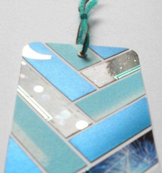 Onglet, signet, bleu-nuit argenté (métallisé) et reflets brillants pour ce marque-pages de fêtes de fin d'année