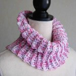 Snood adulte en laine acrylique rose, blanc et parme