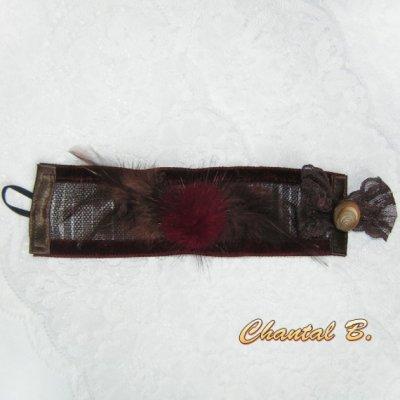 SUR COMMANDE - Bracelet manchette pompon fourrure plumes chocolat