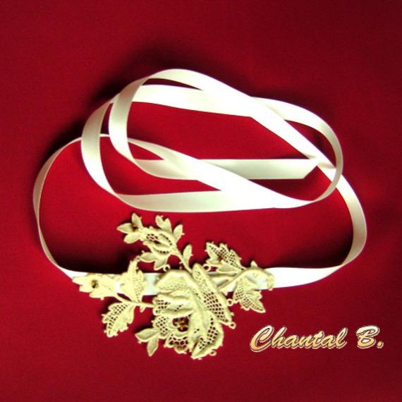 bandeau cheveux mariage dentelle headband Mélissa rose en guipure ivoire rebrodée de perles or