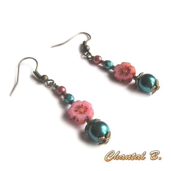 boucles d'oreilles fleur perle de bohème rose perle émeraude et bronze