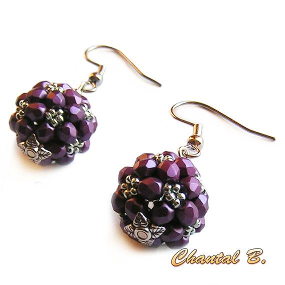 boucles d'oreilles perles bohême facettes violet prune et argent