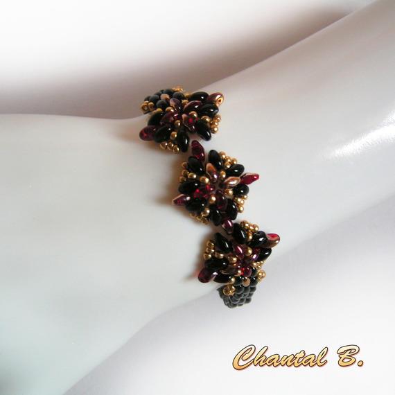 boucles d'oreilles soirée perles verre noires rouge et or