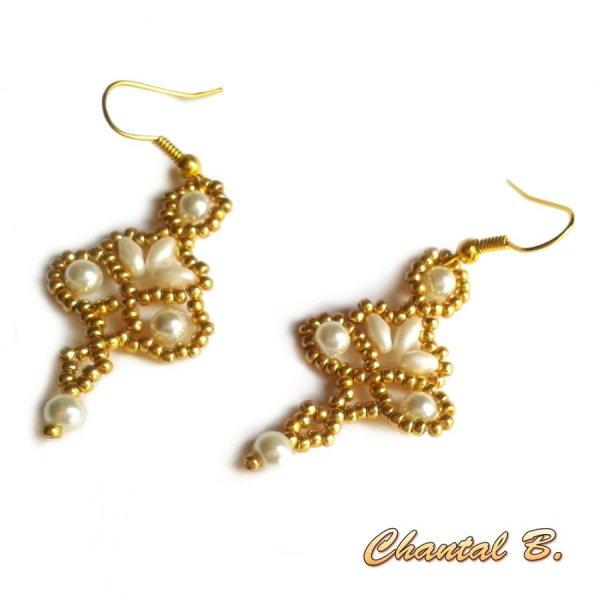 boucles d'oreilles perles blanches et or soirée mariage cérémonie plaqué or