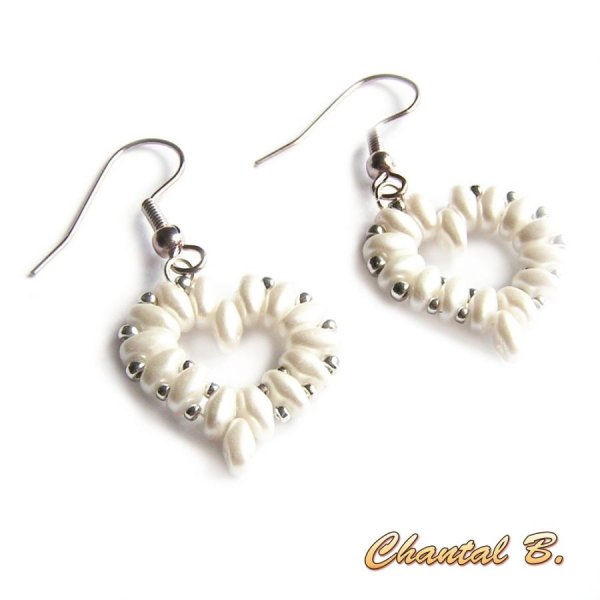 bracelet saint valentin mariage perles tissés coeur de perles blanches nacrées et argent soirée