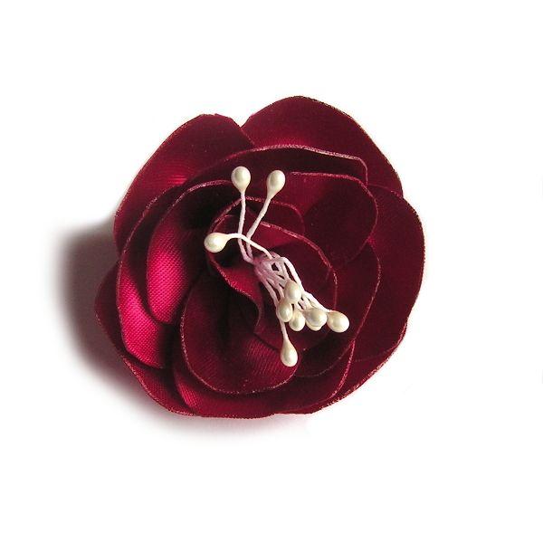 fleur de satin rose fuchsia et pistils faite main pour accessoire mariage