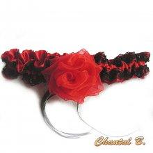 jarretière mariage originale satin rouge dentelle noire fleur rouge thème Paris cabaret
