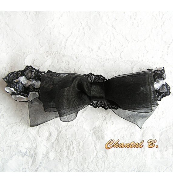 jarretière mariée satin blanc dentelle noire Wanda thème baroque
