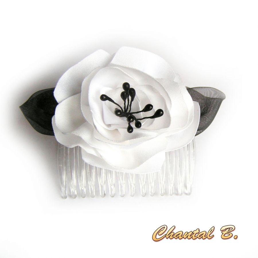 Peigne à cheveux mariage fleur de satin blanc et noir baroque