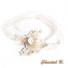 Bracelet dentelle ivoire fleur de soie et strass manchette de mariage