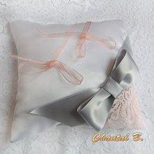 coussin alliances mariage blanc dentelle saumon noeud satin gris  Graziella