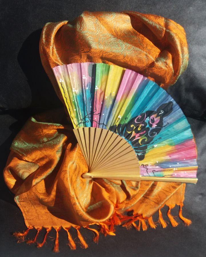 """L'écharpe et son éventail en soie """"Holi Color"""""""