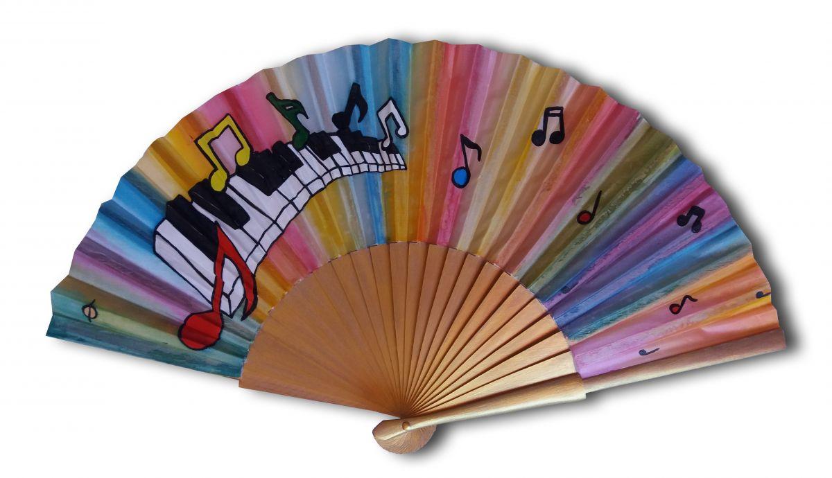 """Collection Holi Color, éventail en soie dessiné et peint à la main """"Pianissimo"""""""