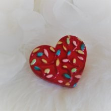Broche coeur rouge bohème multicolore