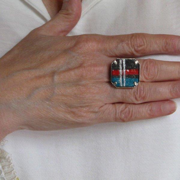 Bague femme réglable en ardoise émaillée, style géométrique, rouge, bleu et argent