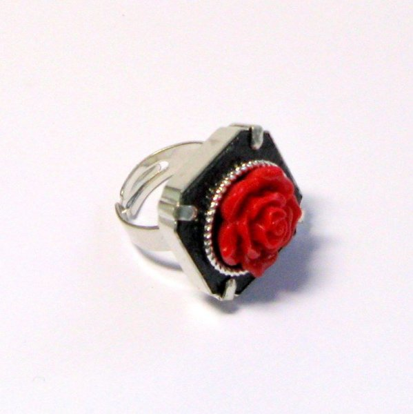 Bague réglable en ardoise fleur rose rouge,