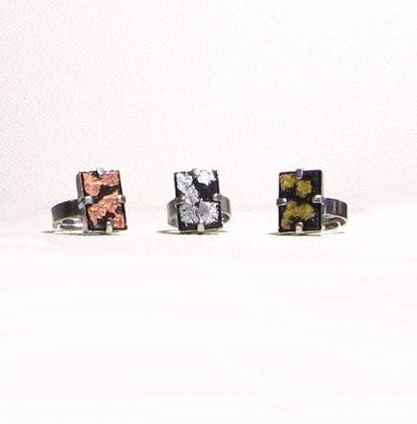bague réglable en ardoise et feuille de métal or, argent, cuivre