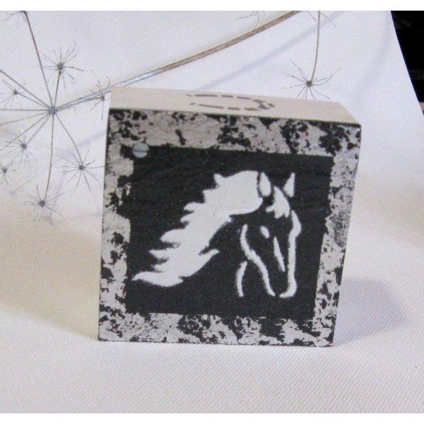 Boite ardoise et bois émaillée d'une tête de cheval blanche