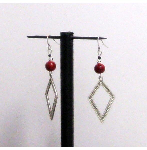 boucles d'oreille longue forme losange argent tibétain perle rouge pour oreilles percées