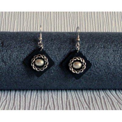 boucles d'oreille pendant en ardoise et perle nacrée