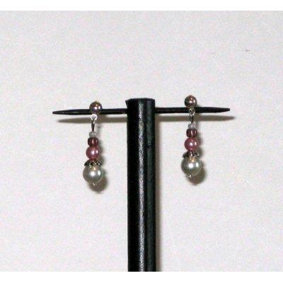 boucles d'oreille puce nacrée blanc et rose