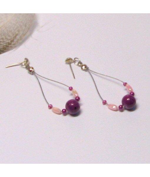 Boucles d'oreille type créole en perles rose et violette, création fait main
