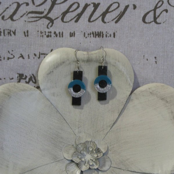 Boucles d'oreilles Moderne en Ardoise et Métal Emaillé  Bleu et Argent, Création Unique