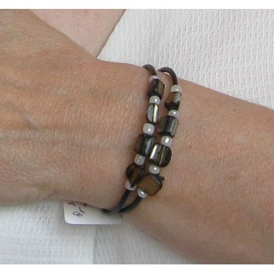bracelet manchette nacrée noire et blanc silicone noir