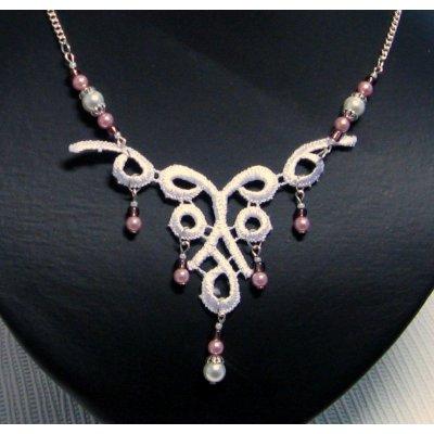 collier dentelle blanche perles nacrées pour mariage