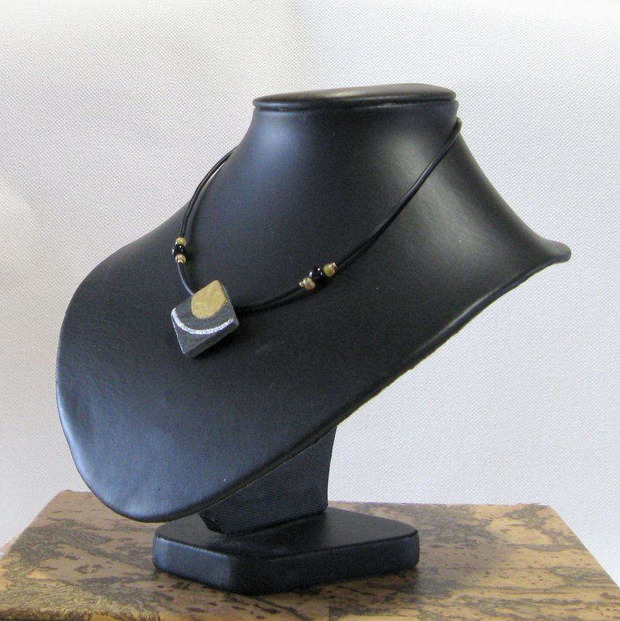 Collier Femme en Ardoise Emaillée Or et Argent, une Création Unique