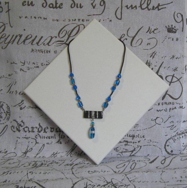 Collier pour Femme en Ardoise et Perles Bleues Création Artisanale Unique