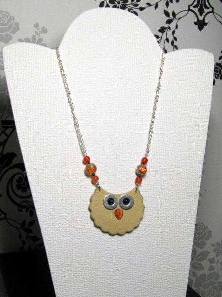 collier long sautoir chouette en cuir perles orange montée sur chaine