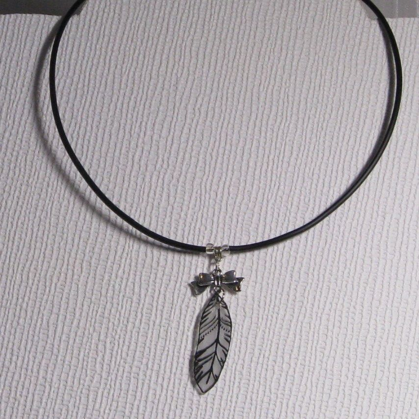 collier plume pour femme ou  ado création fait main