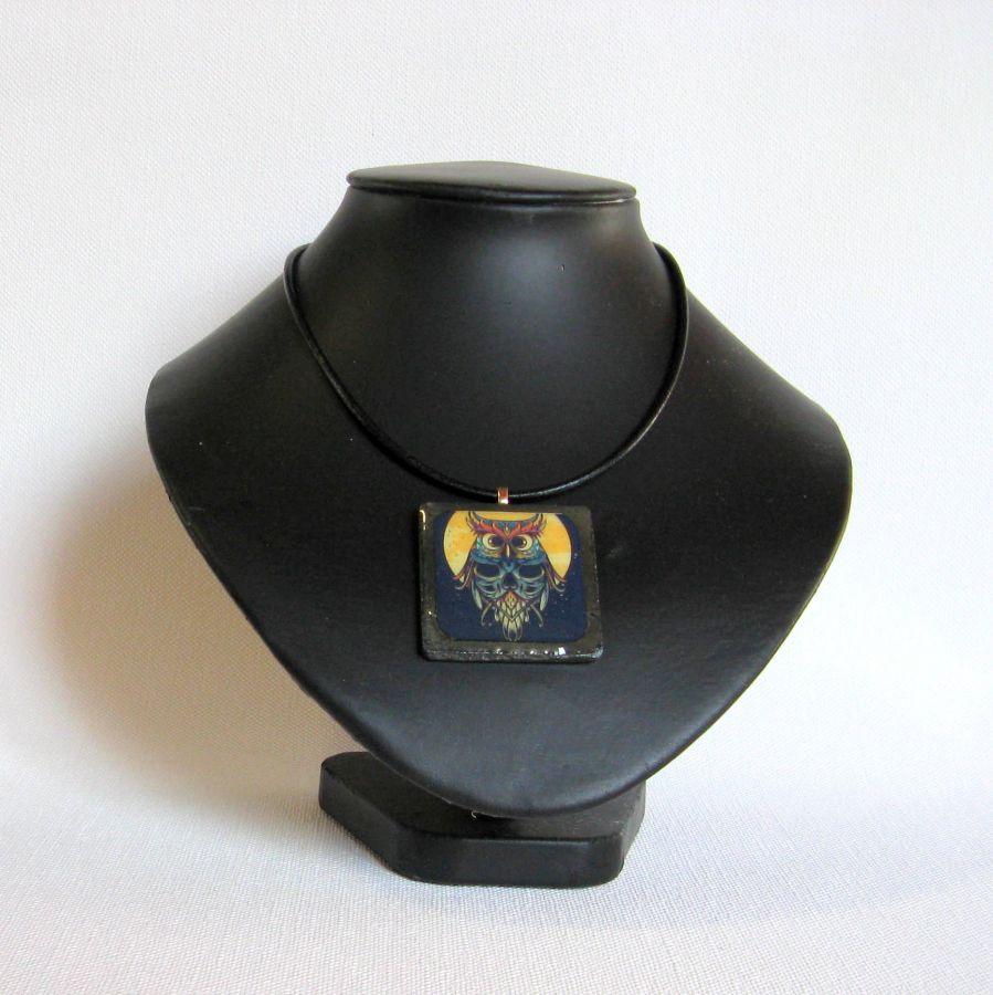 Gros Pendentif  Chouette Sur Ardoise et Résine, Cordon Cuir Noir, Création Unique