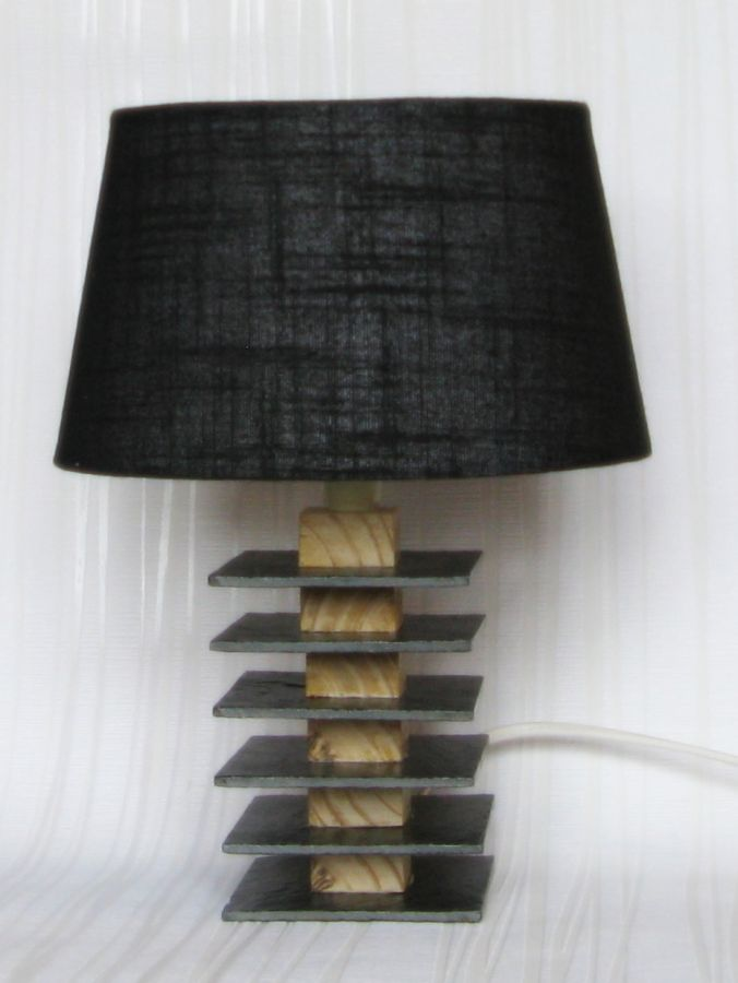 Petite Lampe a Poser en Ardoise et Bois avec un Abat jour Noir, Création Artisanale