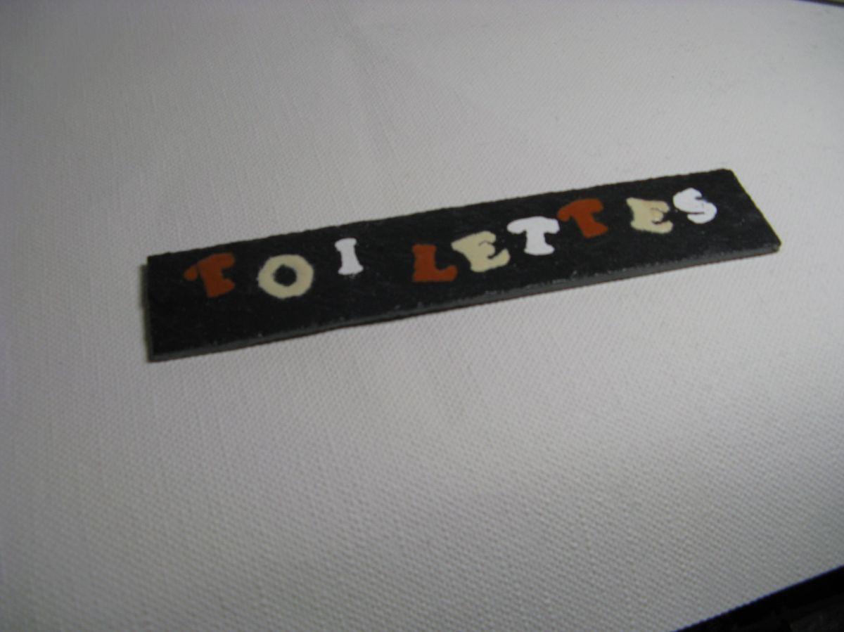 Plaque de  porte pour TOILETTES en ardoise émaillée création artisanale