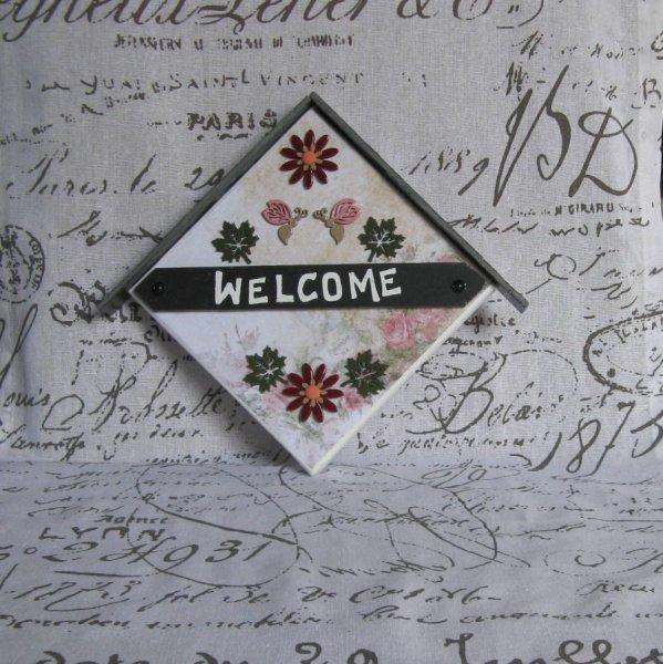Tableau Welcome en Ardoise et Bois motifs Abeilles Rose et Feuilles Vertes, Création Unique