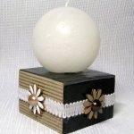 bougeoir nature chic en bois ardoise et carton avec fleurs émaillées