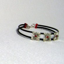bracelet manchette fleur strass rouge, rose et violet