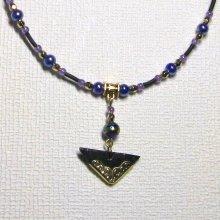 collier pendentif ardoise et or sur cordon de silicone noir