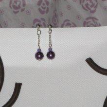 Petite boucles d'oreille pendantes violette