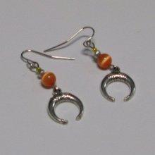 boucles d'oreille demi lune pendant argent et orange