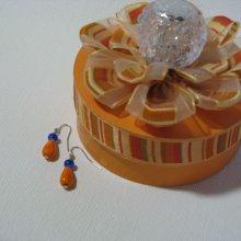 boucles d'oreille orange et bleu foncé