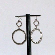 boucles d'oreille gros anneaux argenté oreilles percées style rock