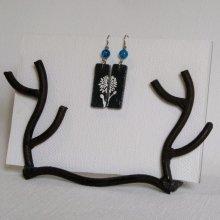 Boucles d'oreille pour Femme en Ardoise Emaillée d'une Fleur Blanche, Création Artisanale