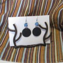 Longues boucles d'oreille femme en ardoise et perles polymère bleu, création unique