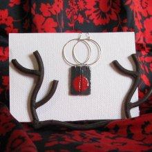 Grande Boucles d'oreille pour Femme en Ardoise Emaillée Rouge monté sur un Gros Anneau ,personnalisable, création unique
